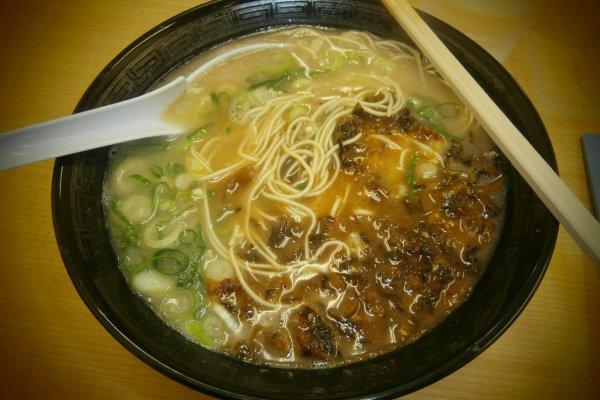 I had Nagahama ramen with spicy wild vegetables