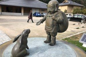 Lapin venu en aide à Ôkuninushi, dieu vénéré au sanctuaire Izumo-taisha.