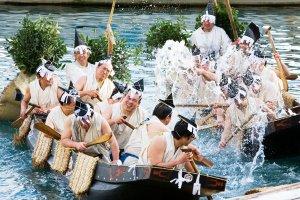 Festival Morotabune, tous les 3 décembre au vieux port de Mihonoseki.