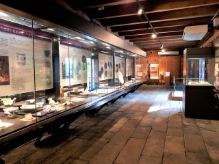 Once the Former Stone Warehouse, this archaeological centre features many of the finds discovered in Dejima.
