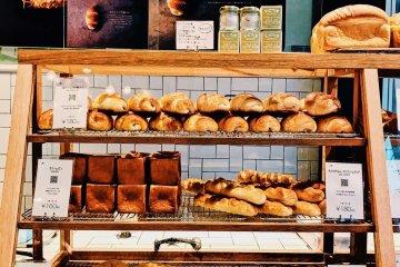 こだわりの高級食材入りパンが楽しめる新しいパン屋「トリュフベーカリー」
