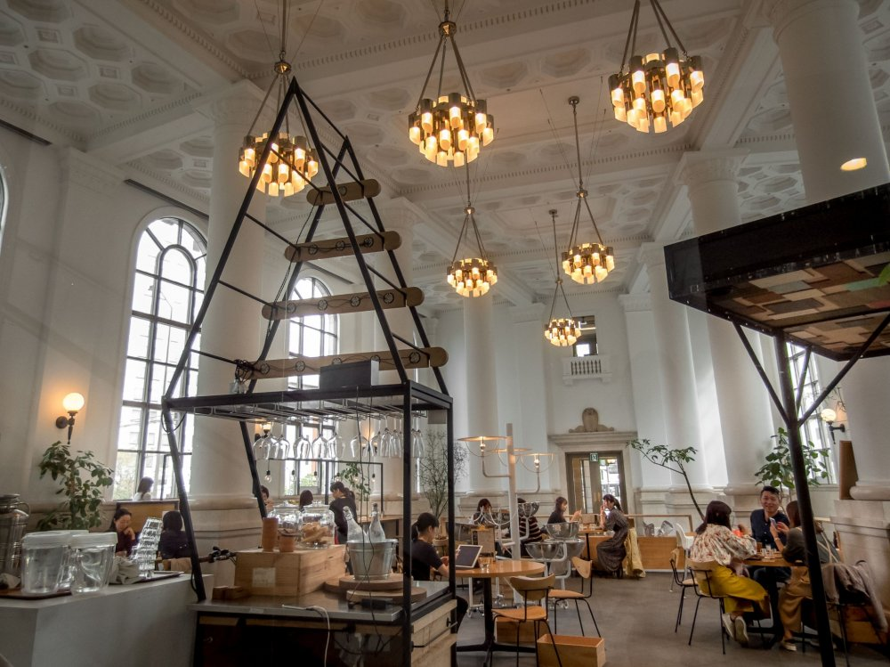 A view of the entrance from inside this Café shows just how spacious everything is