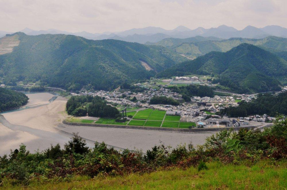 View of Hongu, Oyunohara and the Kii mountains