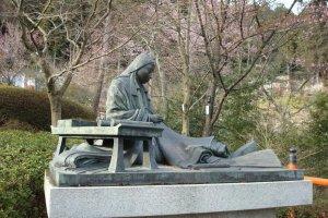 Statue of Murasaki Shikibu