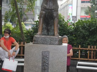 Hachiko square - Shibuya's most famous meet-up spot