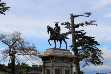 Вид с памятником