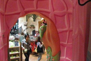 Сказочный интерьер магазина