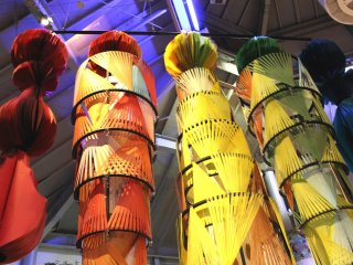 Decorations made of strips of paper