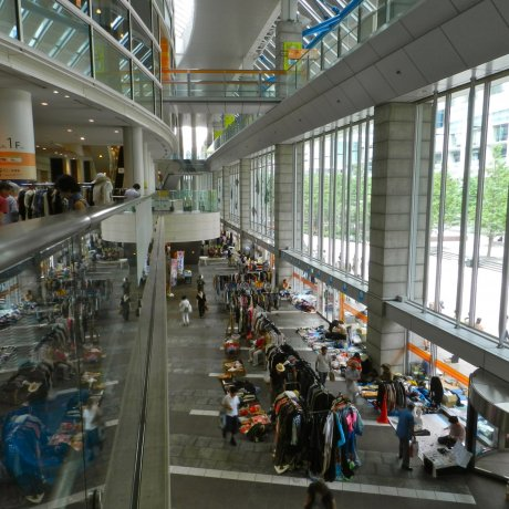 Shinagawa Intercity Flea Markets