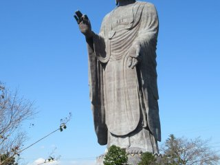 The statue is 120 m tall...