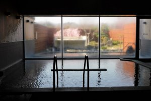 The indoor and outdoor onsen baths at Midori-no-Sato