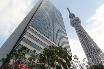 <p>Tokyo Solamachi and Tokyo Skytree Tower from the first floor</p>
