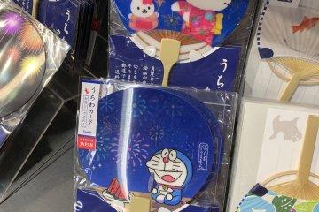 Hello Kitty and Doraemon fans