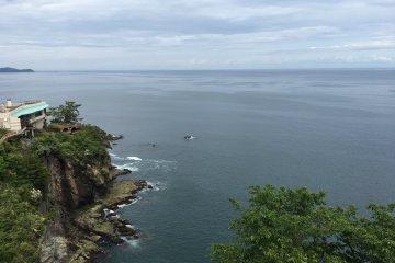 从锦浦眺望到的悬崖绝景