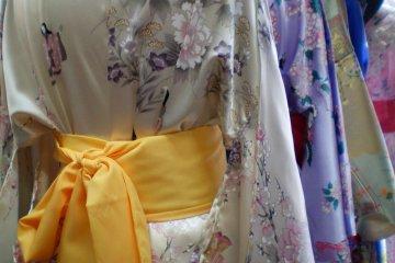 More Nakamise yukatas on display.