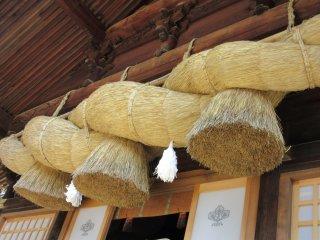 Grand shimenawa of Suwa Taisha