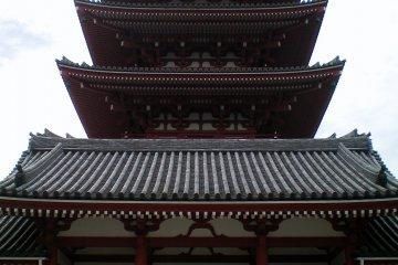 <p>Пятиэтажная пагода, вид спереди</p>