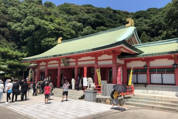 Beautiful enrtance of Akama-Jingu shrine