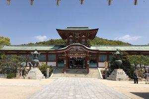 Beautiful Hofu Tenmangu Shrine