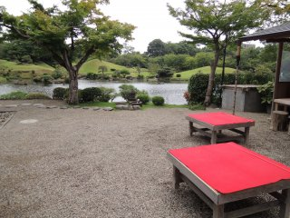 A rest area where you can grab a tea and Japanese sweets while enjoying the view