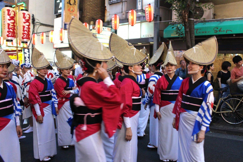 Перед началом танцевального парада