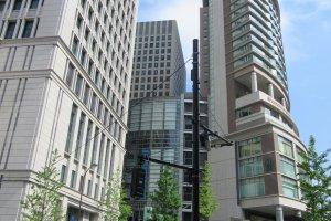 Здание OAZO возле станции Токио