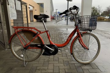 Rent a power-assisted bicycle at Roadside Station Tako Ajisai-kan