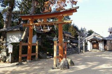 Worn red torii