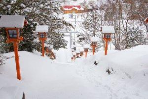 A snowy Yubari shrine