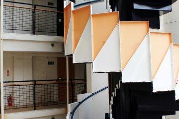 <p>Realmente disfrut&eacute; el contraste de colores de las escaleras</p>