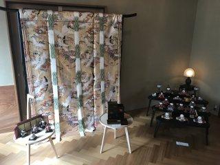 Traditional room divider