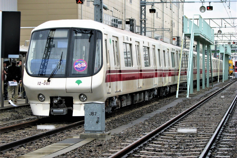 Toei Oedo Line train