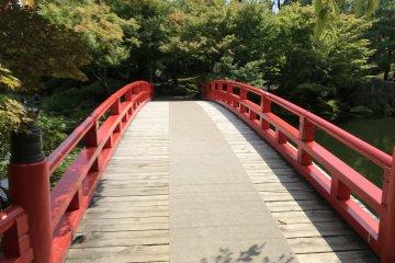Bridge in Yushi garden