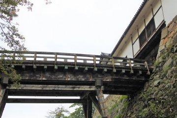 The Tenpyo tower gate and the corridor bridge