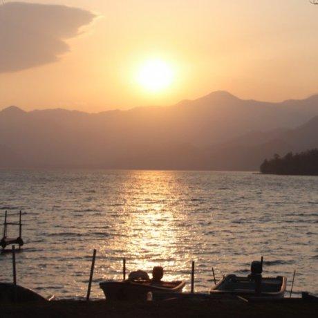 Coucher de soleil au lac Chuzenji
