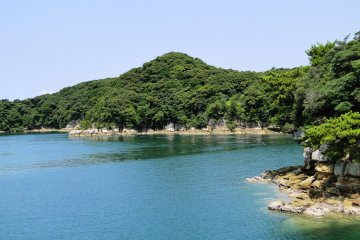 Cruises of the islands leave from the nearby Saikai Pearl Resort