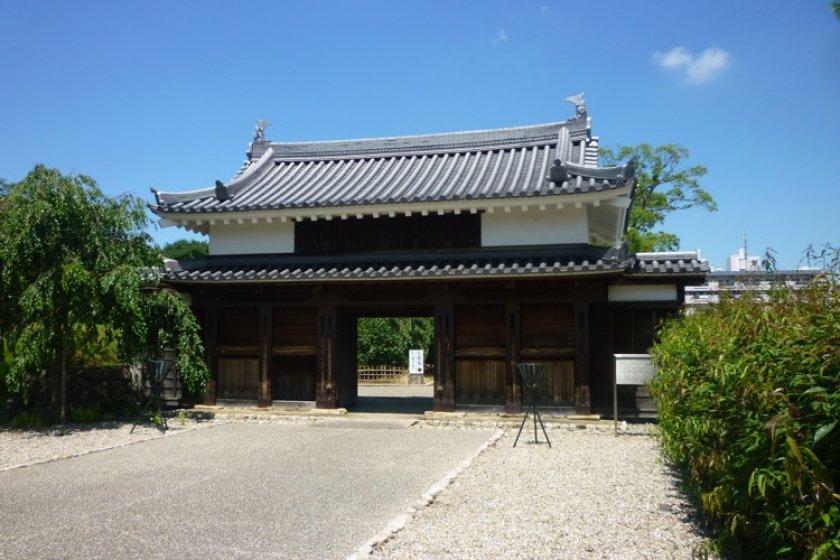 Nishio Castles\' main gate.