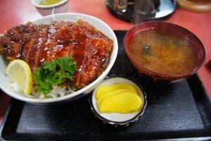 Sauce katsudon meal set