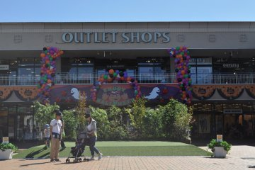 Outlet shops