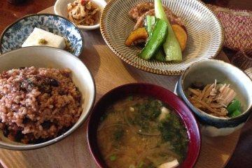 Kuriya - Vegan Restaurant and Cafe