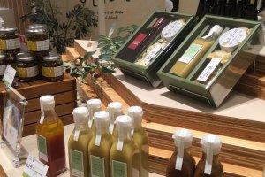 Olive oil based salad dressing