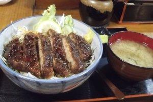 Tasty 'Sauce Katsudon'!