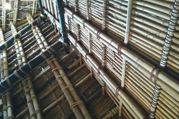 Bamboo rope ceiling, Kangien
