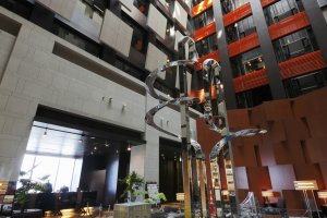 The ceiling in the hotel's spacious lobby reaches 7 storeys high.