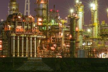 Нефтеперерабатывающий завод с моста Тайсё