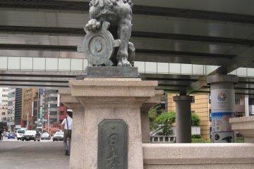 日本桥石刻