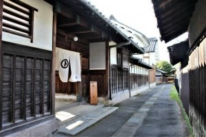 Maruto gives you a glimpse into the life of Edo period soy-sauce masters