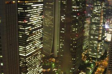 在展望室观看到的东京夜色