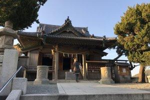 Morito Shrine's main honden building