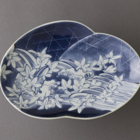Blue and White Ceramics of China and Japan